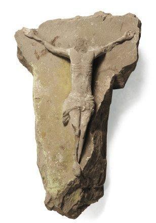Christ en pierre calcaire sculpté en hautrelief....