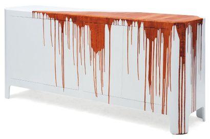 DAMIEN GERNAY (NÉ EN 1975) Textured_sideboard Mdf, polyurethane, trompe l'oeil bois....