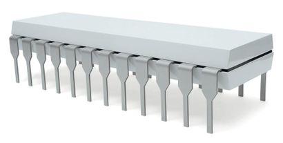 PIERRE OSAWA (NÉ EN 1982) Prototype Table basse « Micro puce » MDF laqué et aluminium...