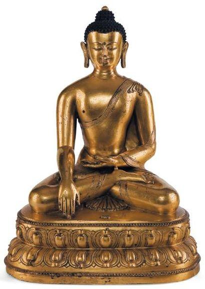 Statuette du bouddha Cakyamuni Assis en padmasana...