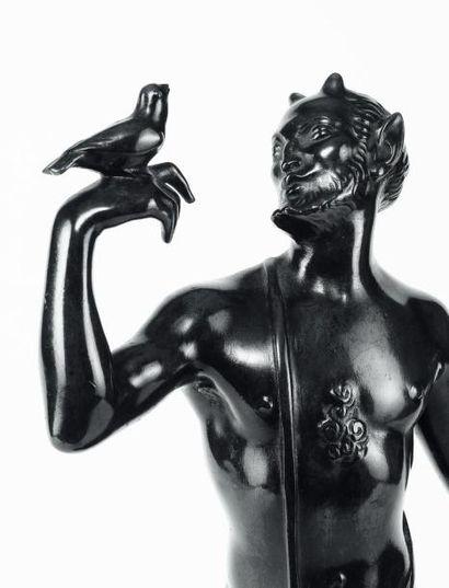 HERMANN FEUERHAHN (1873-1941) Satyre et joueuse de flûte, vers 1920 Paire de bronze...
