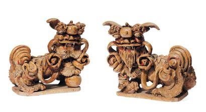 Paire de dragons en céramique, dans le goût...