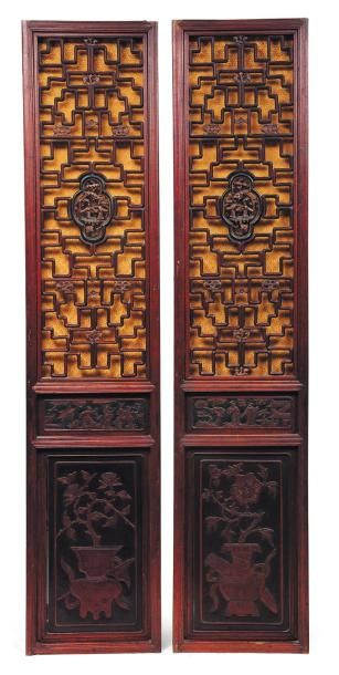 Paire de portes en bois sculpté, ajouré,...