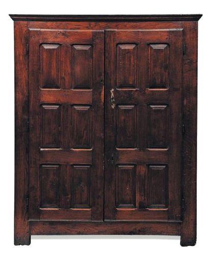 Armoire en chêne ouvrant à deux portes H_177...