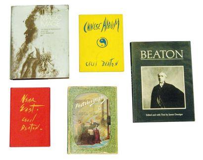 BEATON, Cecil (1904-1980) 1): Near East. London: B.T. Batsford Ltd., 1943. In-8°...