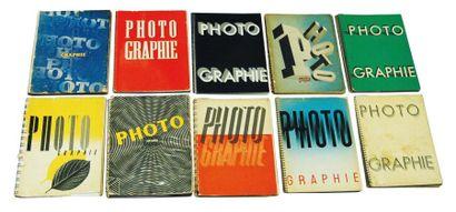 Une collection de 11 numéros spéciaux de Arts et Metiers Graphiques sur la photographie....