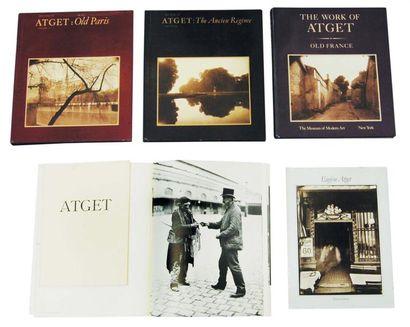 ATGET, Eugène (1857-1927) 1): The World of Atget by Berenice Abbott. New York:...