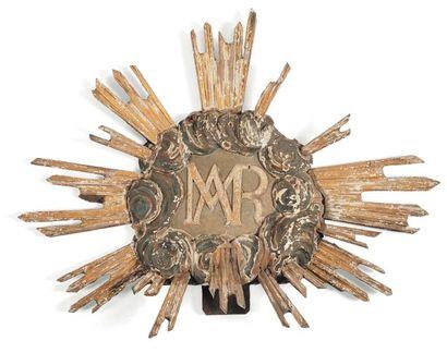 Elément en bois sculpté Au chiffre « MAR...