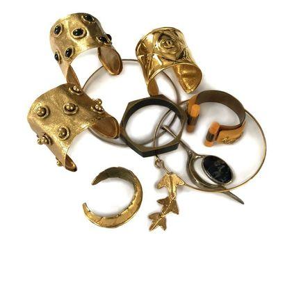 Ensemble de bijoux fantaisie comprenant:...