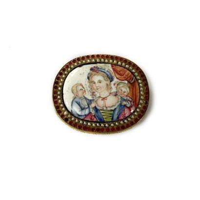 Boucle de ceinture en métal, ornée d'une miniature émaillée polychrome représentant...
