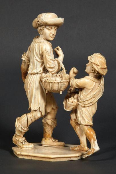 Groupe en ivoire sculpté représentant La...