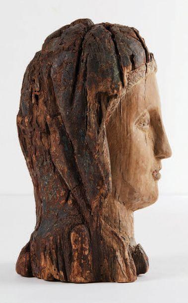 Tête de Vierge en majesté, Sedes Sapientae, en bois sculpté et polychromé. Visage...