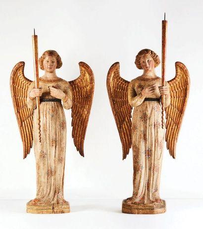 Rare paire d'anges céroféraires en peuplier...