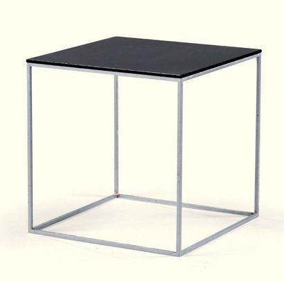POUL KJAERHOLM 1929 - 1980 * Table basse PK71, le modèle créé en 1957 métal et plexiglass...
