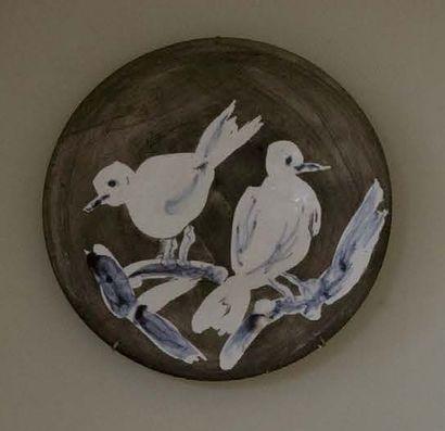Pablo Picasso 1881 - 1973 Deux oiseaux n°95, exécuté en 1963 dans une édition de...