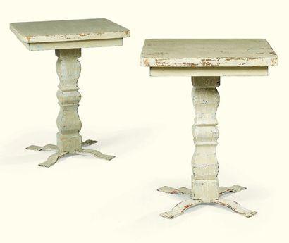 * PAIRE DE TABLES EN BOIS REPEINT GRIS-VERT...