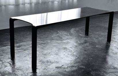 Edge table - Série limité Table en corian...