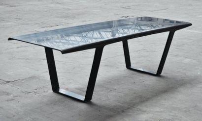Ship table - Épreuve d'artiste Table en corian...