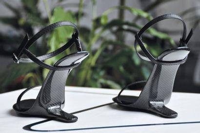 Strada - Prototypes Sandales en cuir noir...