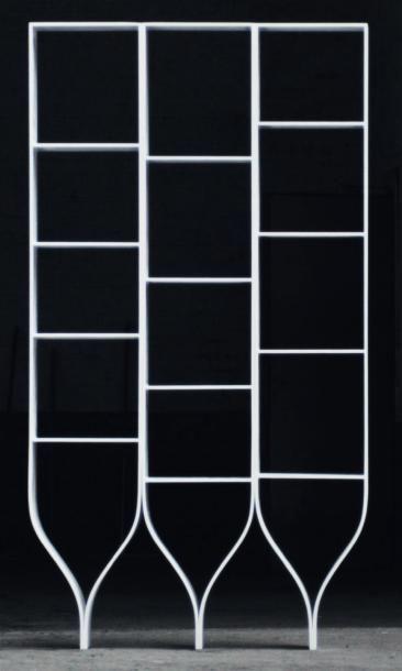 Three stones - Épreuve d'artiste Bibliothèque à trois éléments indépendants, en...
