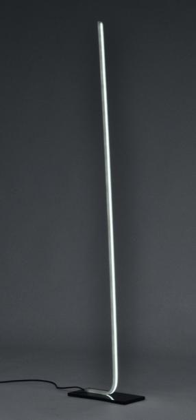 SW Standing - Prototype Lampadaire en corian...