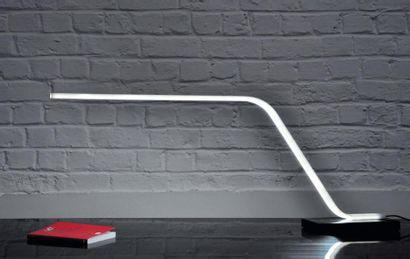 SW Desk - Prototype Lampe en corian blanc...