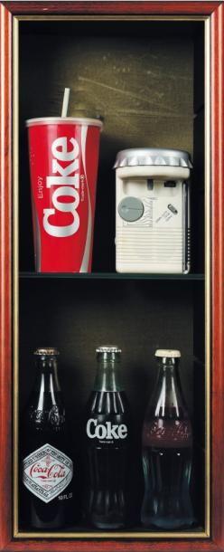 Ensemble d'objets divers de 1970 à 1990 Composé...