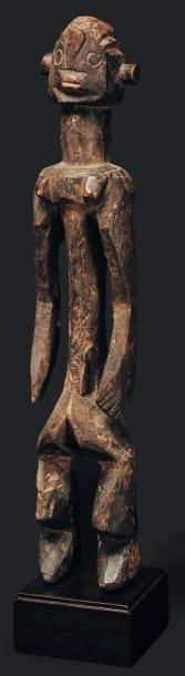 Statue Mumuye, Nigeria - Bois. Les bras reposant...