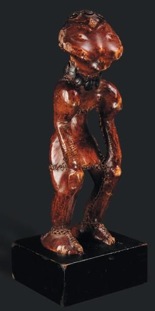 Statue Bangwa, Cameroun - Bois, clous. Dans...