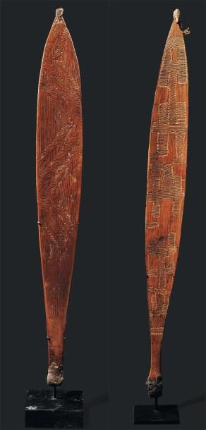 Deux propulseurs de sagaies aborigènes d'Australie...