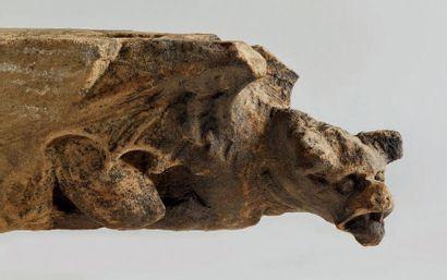 PAIRE DE GARGOUILLES en grès sculpté avec...