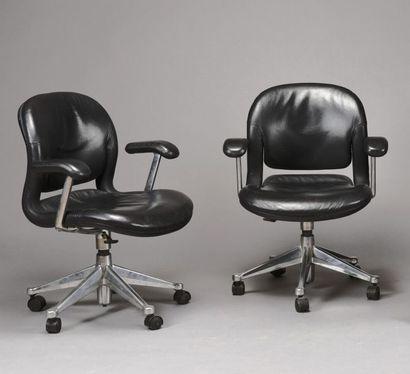 2 fauteuils bureau Modèle EQA 2 en cuir noir...
