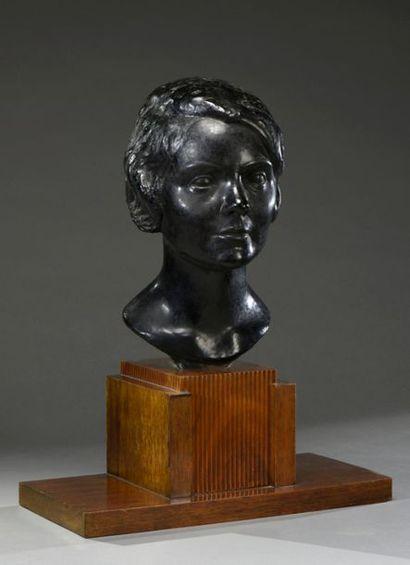 Claudius LINOSSIER (1893-1953). Portrait...