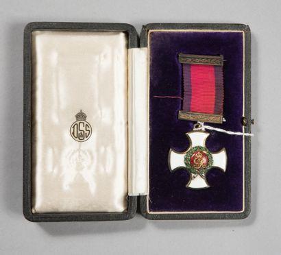 Ordre du DSO britannique, croix en vermeil...