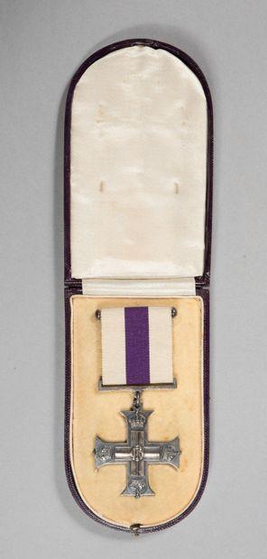 Military Cross britannique, croix en argent...