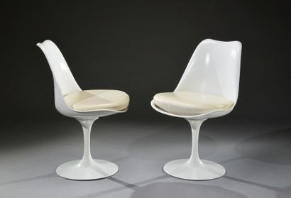 Paire de chaises tulipe de Eero Saarinen...