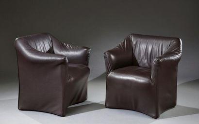 Paire de fauteuils de Mario Bellini modèle...
