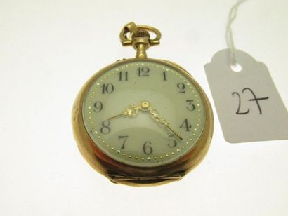 1 montre de col boitier or rose à décor de volutes, feuillages et fleurettes, sertie...