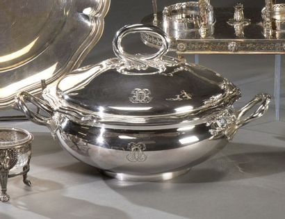Légumier en argent dans le style Louis XV...