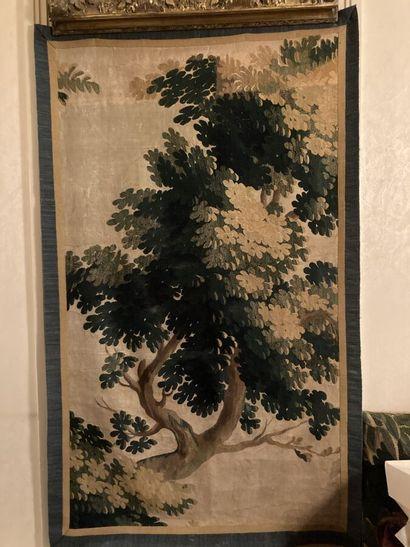 Fragment de tapisserie d'Aubusson à décor...