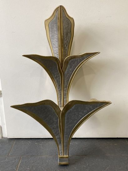 Applique en métal de deux tons. H. 65 cm