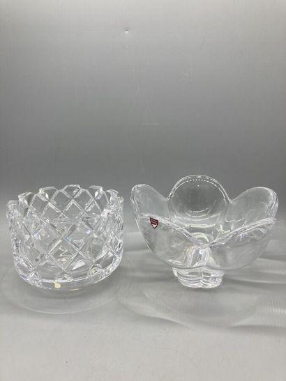 Orrefors, coupe en cristal incolore de forme...