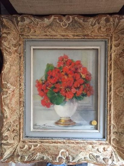 Une Huile sur toile, Bouquet de fleurs, signée...