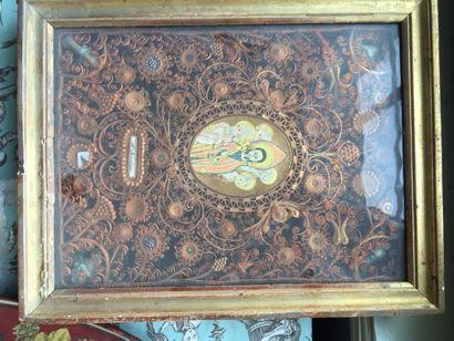 Un reliquaire XVIIIème, avec image pieus...