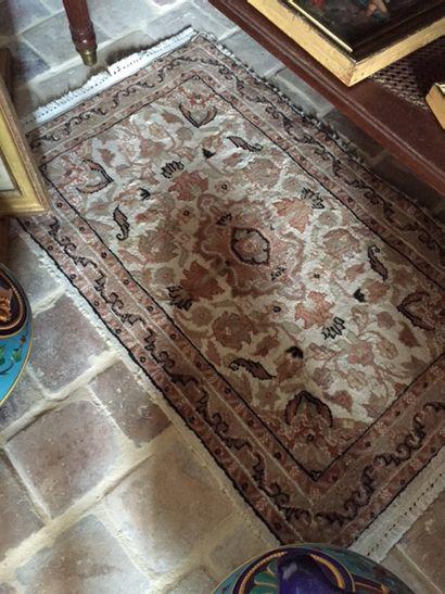 Un petit tapis, points noués