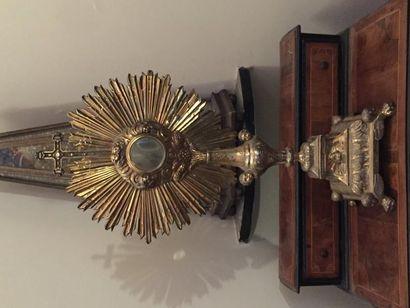 Grand ostensoir en vermeil orné d'anges,...