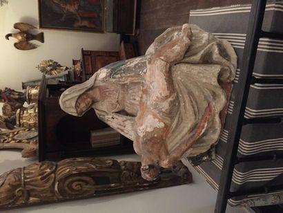 Grande pietà en pierre sculptée, trace de...