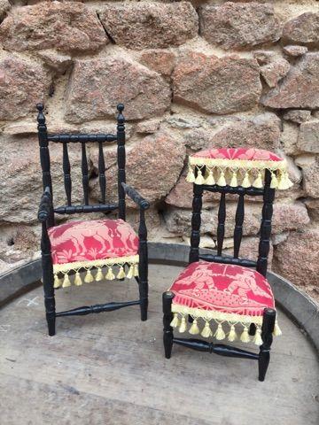 Deux meubles diminutifs