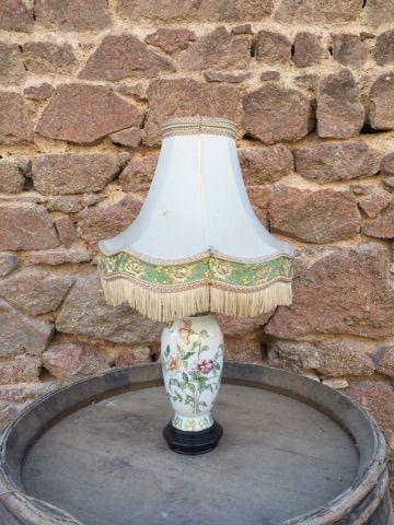 Lampe porcelaine de Chine et lampe laito...