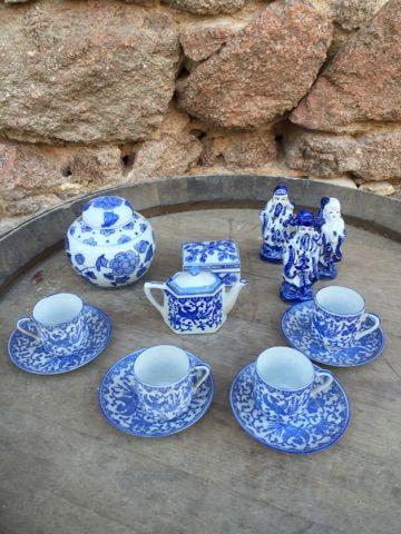 Un lot divers de porcelaine Chine blanc-...